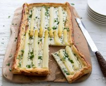 Recept: Plaattaart met asperges en geitenkaas