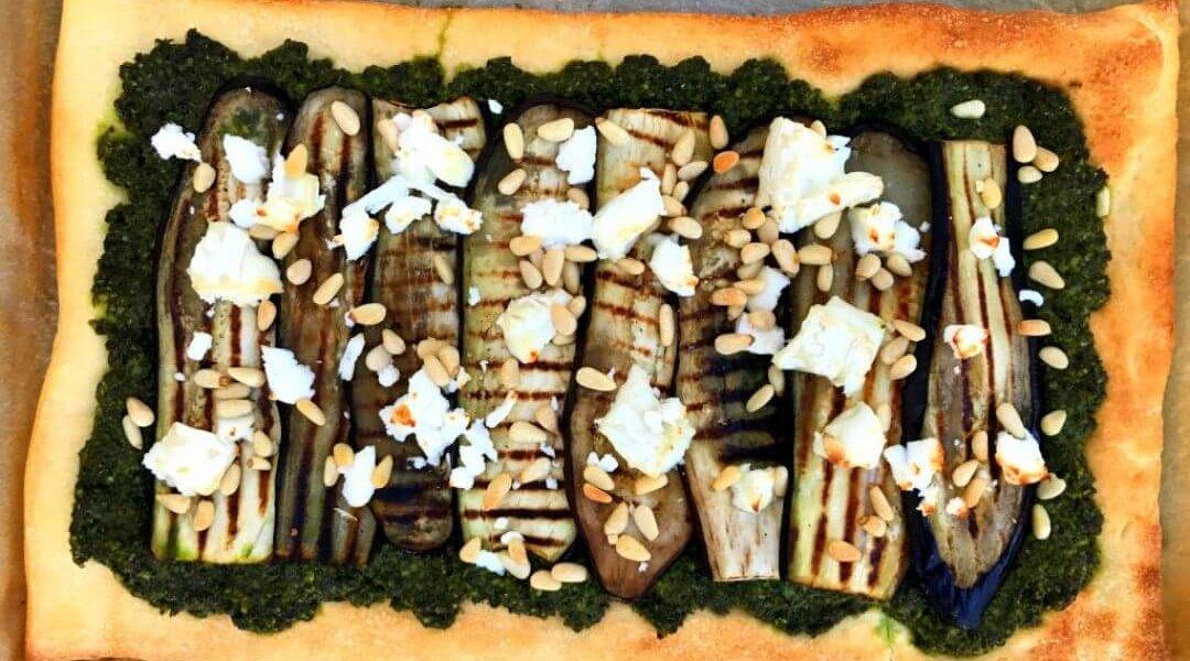 Pizza met boerenkool, aubergine en geitenkaas