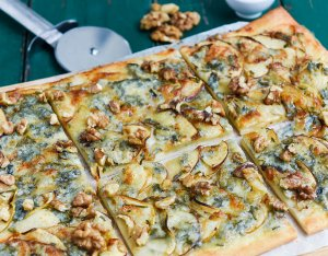 Recept: Pizza met appel en gorgonzola
