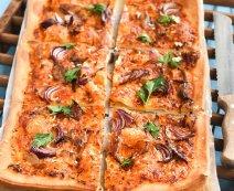 Recept: Spelt-pizza met gerookte makreel