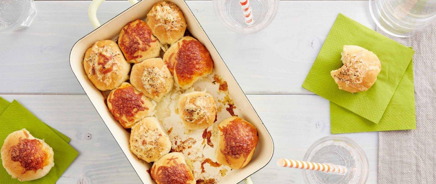 Pizzaballetjes met twee kazen