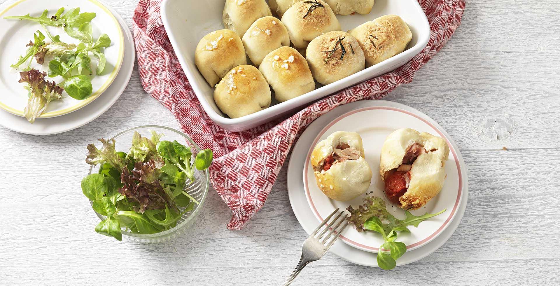 Pizzaballetjes met prosciutto en tonijn