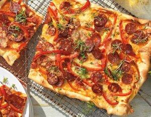 Recept: Flammkuchen met chorizo en paprika