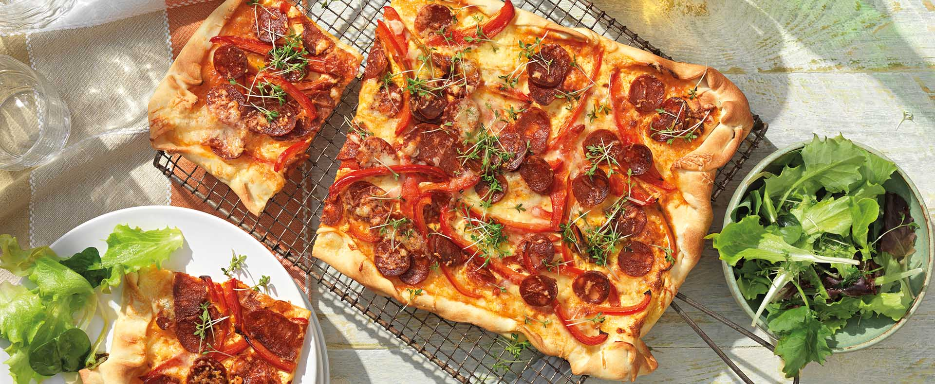Flammkuchen met chorizo en paprika