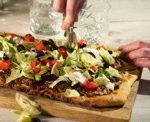 Recept: Pizza met gehakt, de tacopizza