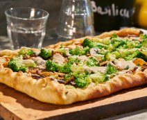 Recept: Vegan pizza broccoli en shiitake