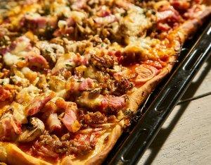 Recept: Maaltijdpizza spek en gehakt
