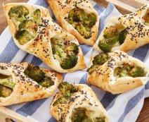 Recept: Bladerdeeg-broccolipakketjes