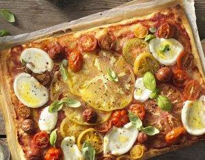 Recept: Pizza met bonte tomaten