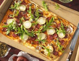 Recept: flammkuchen met chorizo en geitenkaas