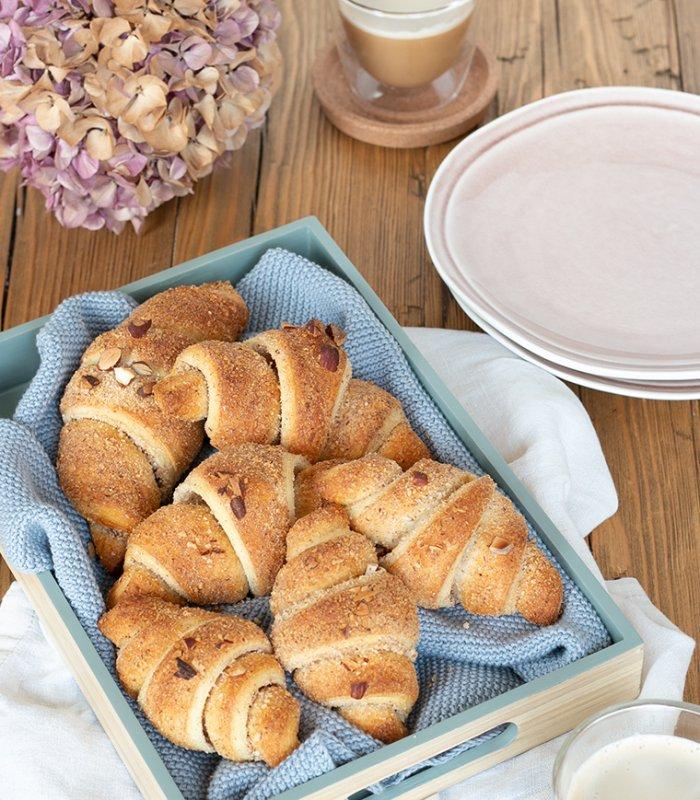 Recept: zoete croissant van bladerdeeg met amandel en kaneel - Tante Fanny