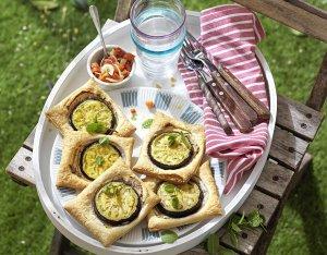 Recept: hapjes van bladerdeeg met courgette