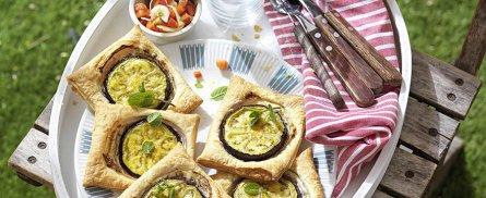Recept: Hapjes van bladerdeeg met courgette en aubergine - Tante Fanny