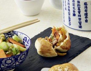 Chinese bao buns '' Hoisin''